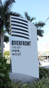 RIVERFRONT sign select