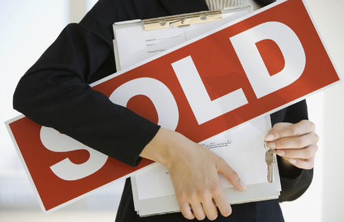 10 STEPS TO SELLING YOUR PROPERTY