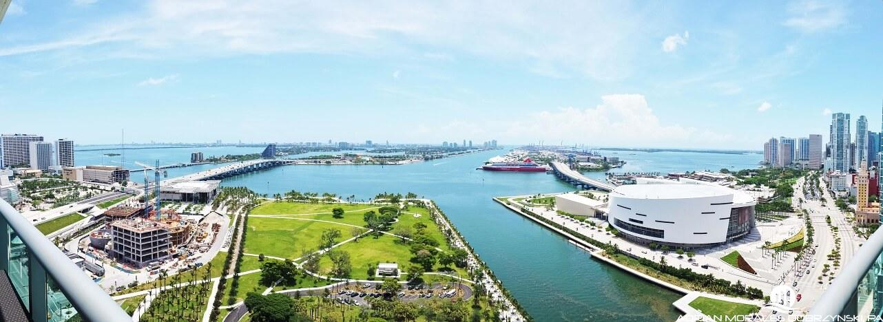 Panoramic bay views and Museum Park from 900 Biscayne terrace