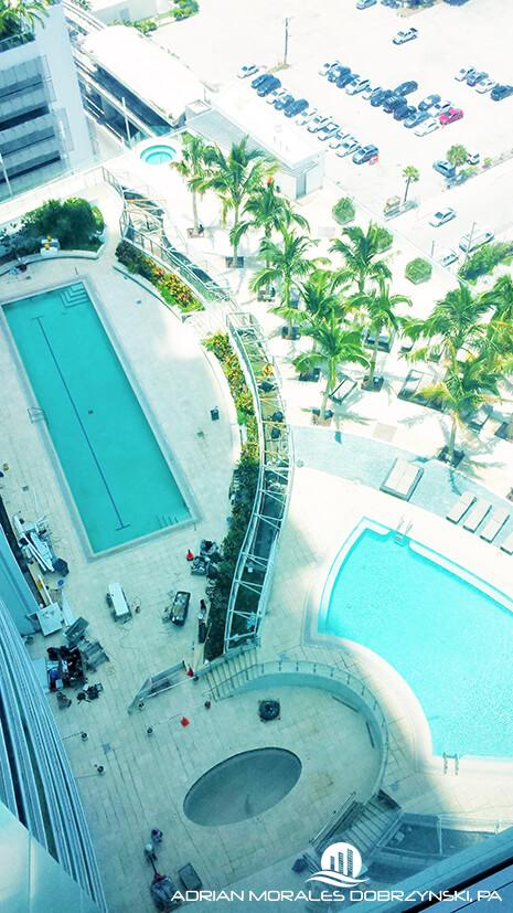 900 Biscayne Bay pools and amenities