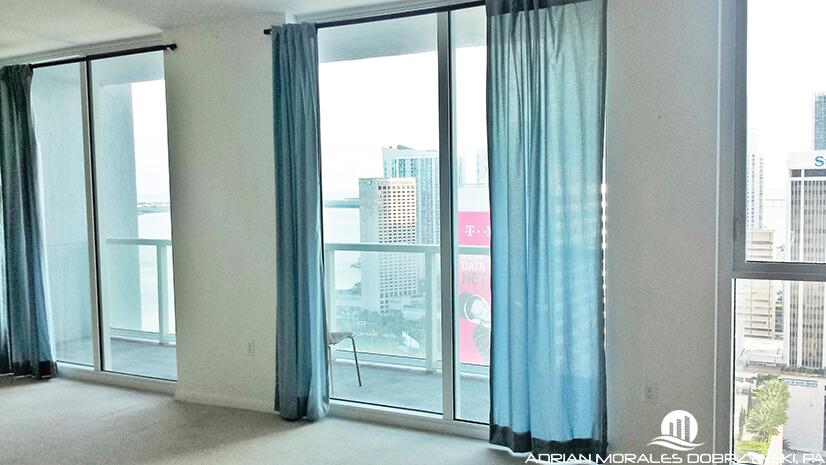 Vizcayne studio apartment with great downtown views