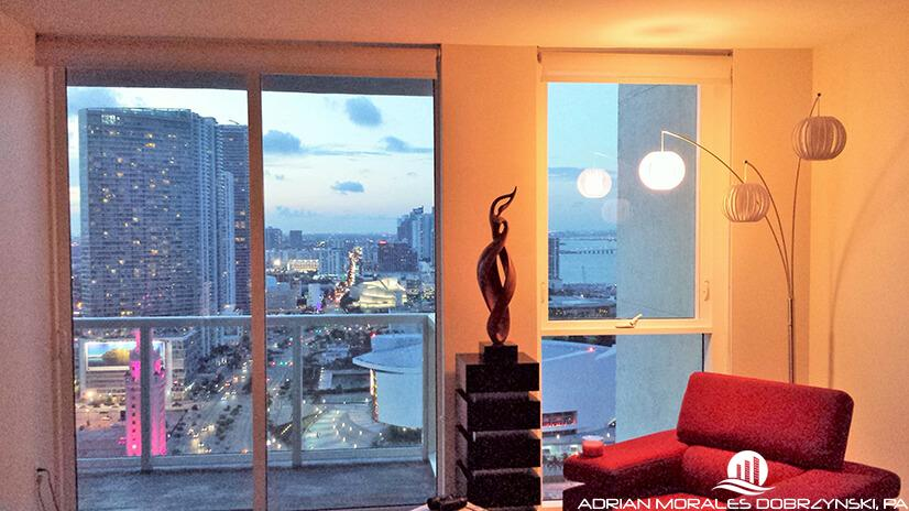 1 bedroom unit views of downotown Miami from Vizcayne north