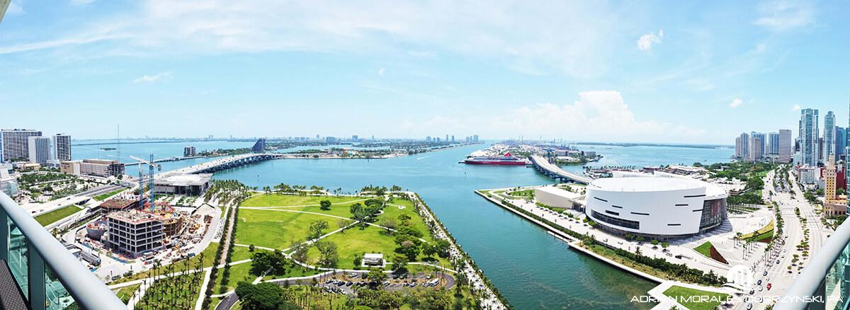 Panoramic views of Biscayne boulevard, Museum Park and the bay