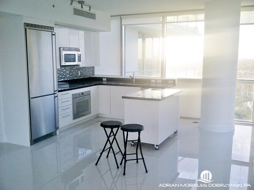 Corner unit kitchen at the Mint