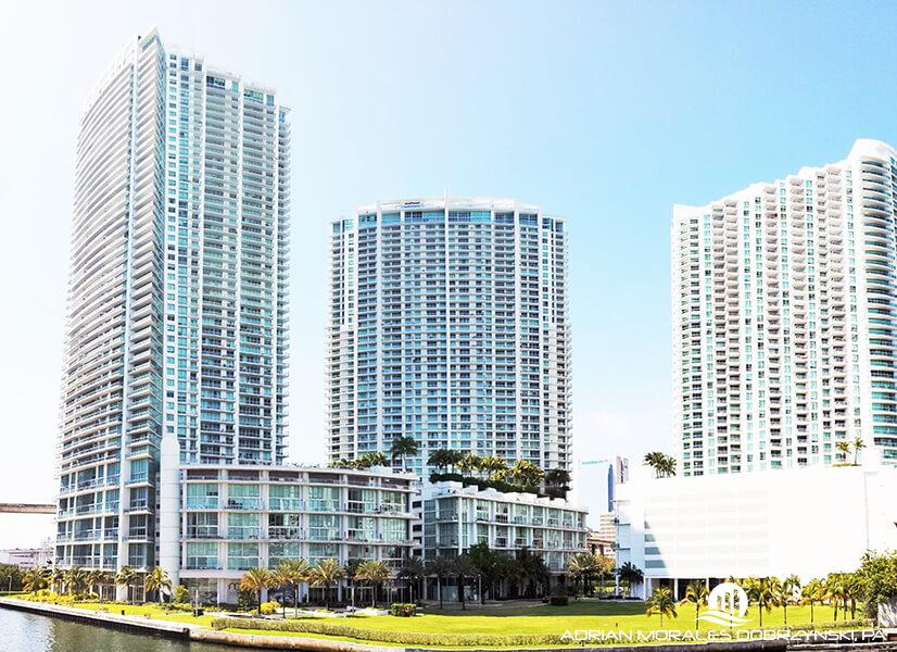 Mint, Ivy and Wind by Neo at the Miami riverfront